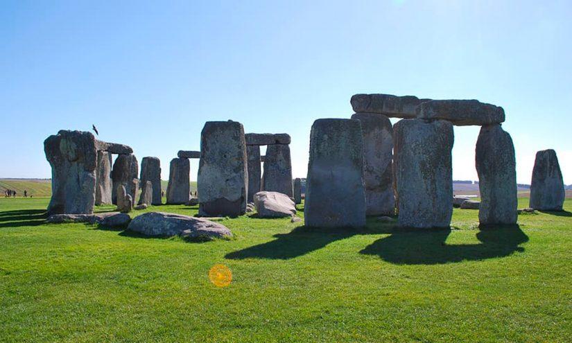 Cattedrale del Neolitico, sono le pietre sospese di Stonehenge