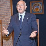 Rettore Raimondo Pasquino