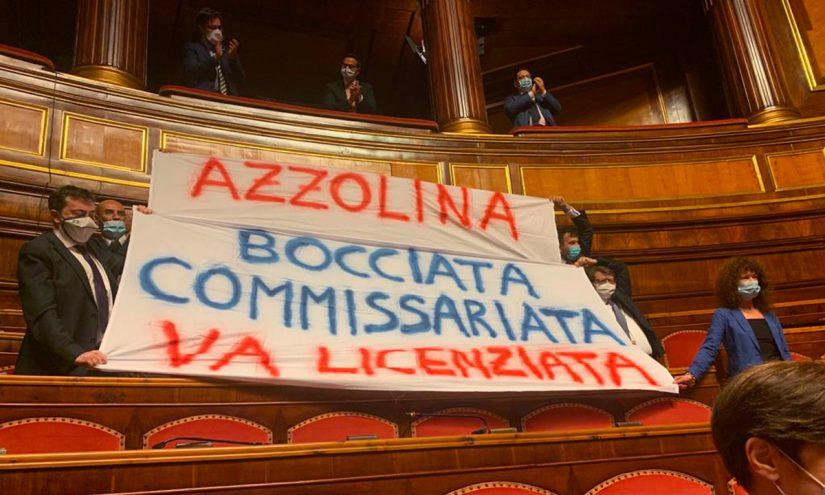 Lucia Azzolina bocciata,commissariata va licenziata