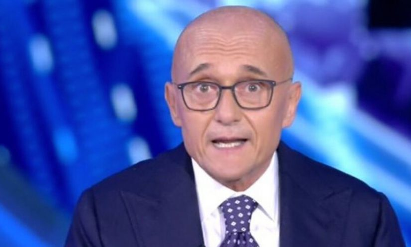 Alfonso Signorini sostituito al Grande Fratello VIP
