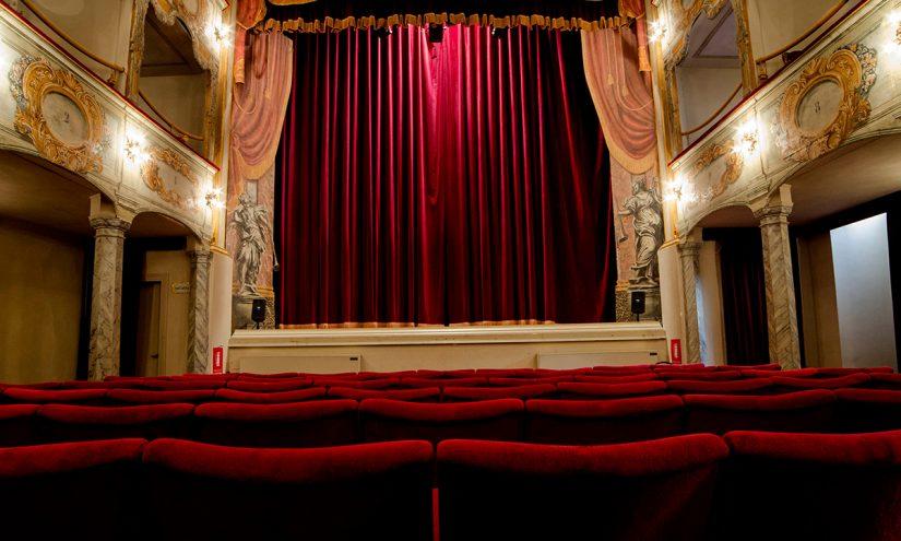 Come diventare direttore di teatro