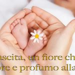 Immagini con frasi sui bambini piccoli appena nati