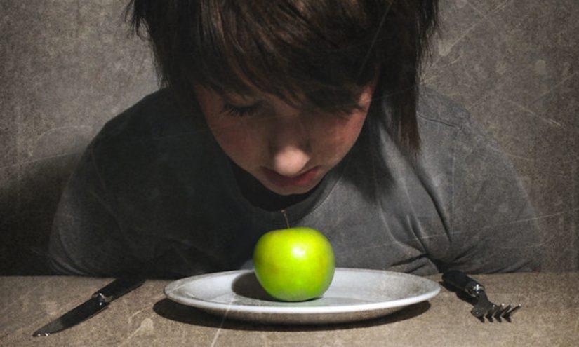Disturbi alimentari negli adolescenti cause