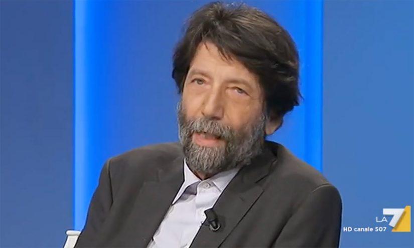 Foto per capire chi è Massimo Cacciari oggi